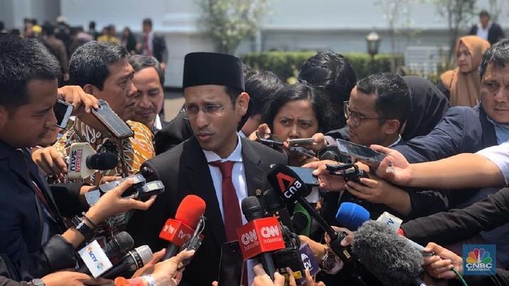 Presiden Joko Widodo memiliki tugas berat untuk Menteri Pendidikan dan Kebudayaan (Mendikbud) Nadiem Makarim.