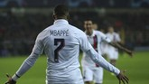 Paris Saint-Germain meraih kemenangan tandang 5-0 atas Club Brugge. Kylian Mbappe mencetak tiga gol, sementara dua gol lain dilesakkan Mauro Icardi. (AP Photo/Francisco Seco)