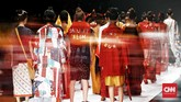 Mulai dari tas belanja dengan kalimat 'DARURAT IKLIM' yang tersemat di atasnya,outerbertuliskan 'CINTAI BUMI', hingga masker sebagai bentuk protes atas polusi udara yang menjadi masalah terkini di dunia, tak terkecuali Indonesia.(CNN Indonesia/ Andry Novelino)