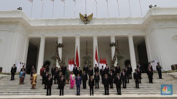 Jokowi pekan ini melantik menteri-menteri baru di jajaran Kabinet Indonesia Baru