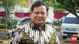 Prabowo dan Jajaran Calon Menteri Berseragam Batik di Istana