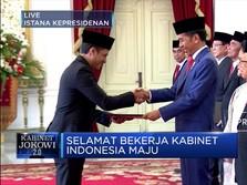 Jokowi Serahkan SK Menteri Kabinet Indonesia Maju