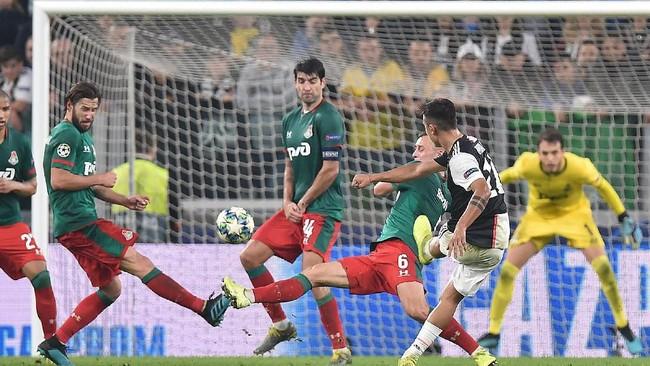 Paulo Dybala mencetak gol ke gawang Lokomotiv. Pemain Argentina itu mencetak dua gol sekaligus membalikkan keadaan. (Alessandro Di Marco/ANSA via AP)