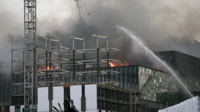 Proyek Gedung Konvensi Selandia Baru Sudah 2 Hari Terbakar