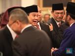 Didampingi Didit, Prabowo Sumringah Saat Dilantik Jadi Menhan