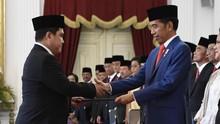 100 Hari Kerja, Jokowi Bersih-bersih BUMN Lewat Erick Thohir