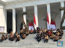 Duduk Bersila, Jokowi Kenalkan Menteri Kabinet Indonesia Maju