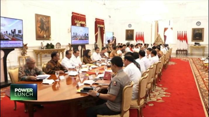 Presiden Joko Widodo (Jokowi) membuka rapat terbatas dengan topik pembahasan ketentuan dan fasilitas perpajakan