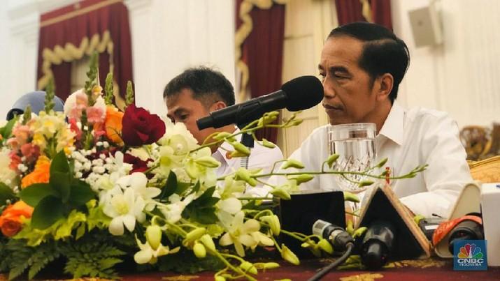 Jokowi Singgung CAD, Cuma Superhero yang Bisa Bereskan Pak!
