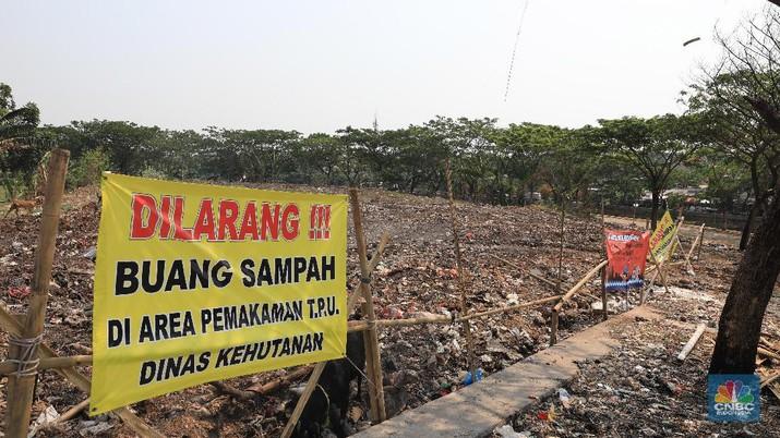 TPU Tanah Kusir terlihat tidak terawat hingga menjadi lokasi pembuangan sampah warga.