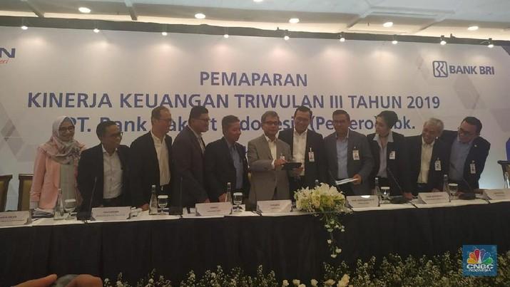 Harga saham PT Bank Rakyat Indonesia Tbk (BBRI) naik 1,70% pada penutupan, Selasa (19/11/2019).