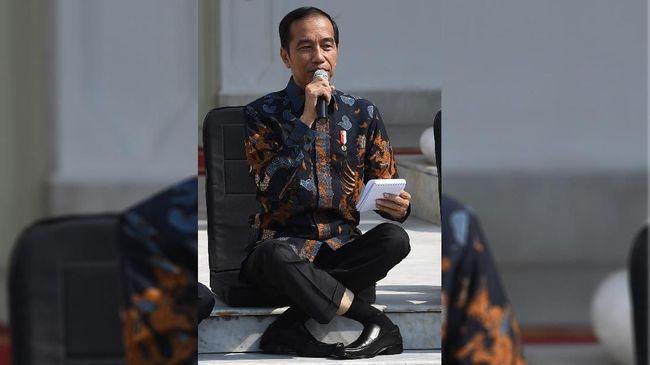 Jokowi Soal Duduk Menyilang: Saya Enggak Pernah Yoga