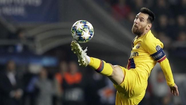 Keberhasilan Lionel Messi membobobl gawang Slavia Praha membuat ia jadi pemain pertama yang mencetak gol di 15 musim Liga Champions.Barce (AP Photo/Petr David Josek)