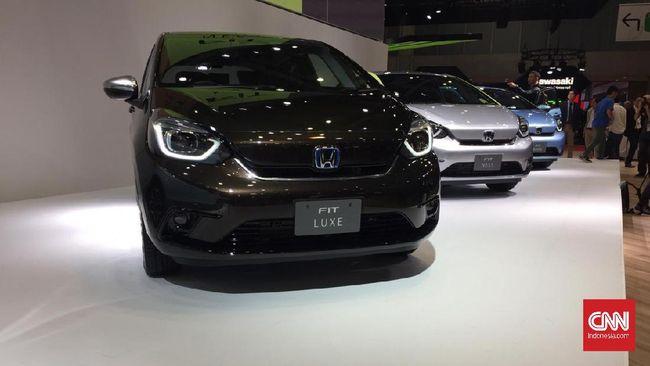 Generasi Baru Honda Jazz Meluncur di 'Samping' Toyota Yaris