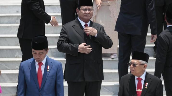 Tidak hanya itu, Prabowo berjanji juga membangun pangkalan di wilayah timur Indonesia.