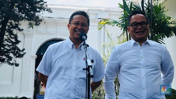 Presiden Jokowi Widodo (Jokowi) memutuskan dua wakil Menteri BUMN yang akan mendamping Erick Thohir. Keduanya merupakan bankir Bank Mandiri.