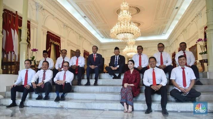 Dua Wakil Menteri BUMN, Budi Gunadi Sadikin dan Kartika Wirjoatmodjo mendapat pembagian tugas untuk mengoordinir perusahaan BUMN.