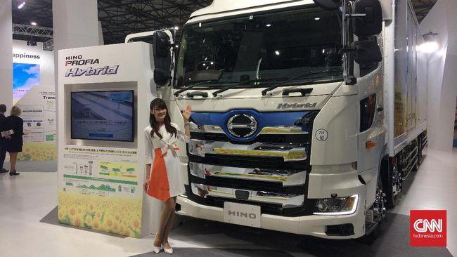 Hino Arahkan Truk Hybrid Sanggup Minum Biodiesel B30