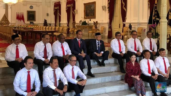 Presiden Joko Widodo dikabarkan akan menambah enam wakil menteri di Kabinet Indonesia Maju