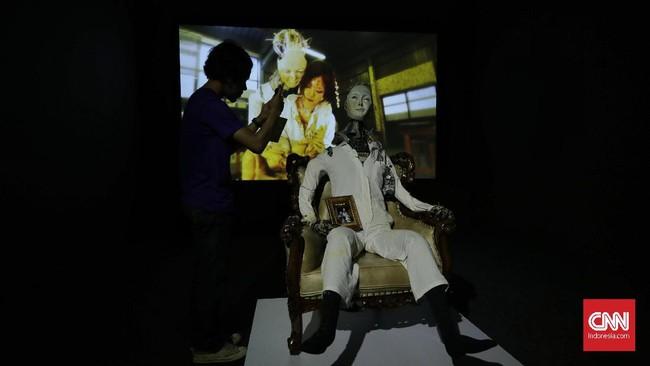 """""""Festival seni media merupakan wujud peran pemerintah dalam mendorong perkembangan seni kontemporer, sekaligus melindungi seni tradisi. Festival Instrumenta memberikan wadah bagi berkembangnya ekosistem seni kontemporer Indonesia"""". (CNN Indonesia/ Adhi Wicaksono)"""