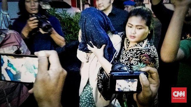 Polisi Ungkap Penyewa Prostitusi Finalis Putri Pariwisata