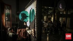 FOTO: Kepedulian Sosial di Pertunjukan Wayang Bocor