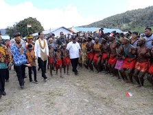 Jokowi Perintahkan Para Menteri Percepat Pembangunan Papua