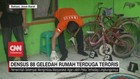 VIDEO: Densus 88 Geledah Rumah Terduga Teroris