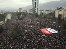 Waspada! Demo Marak di Penjuru Dunia, Apa Sebabnya?