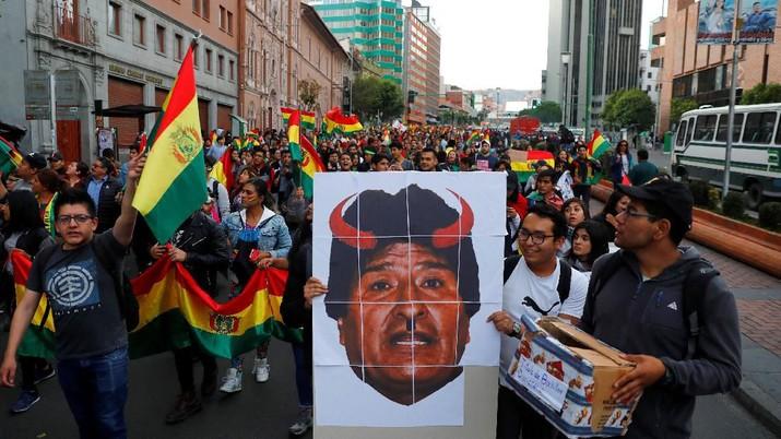 Presiden Bolivia Evo Morales mengajukan pengunduran diri sebagai pemimpin negara Amerika Latin itu.