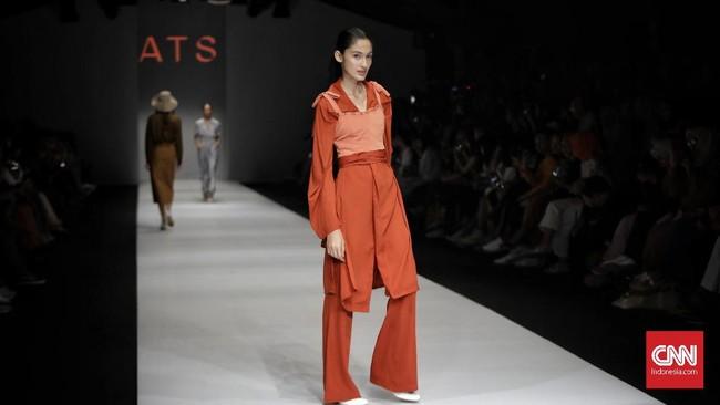 ATS The Label konsisten dengan busanaready to wearyang simpel dan cocok untuk aktivitas sehari-hari.(CNN Indonesia/Adhi Wicaksono)