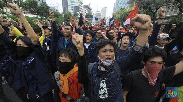 Demo Buruh (CNBC Indonesia/Muhammad Sabki)