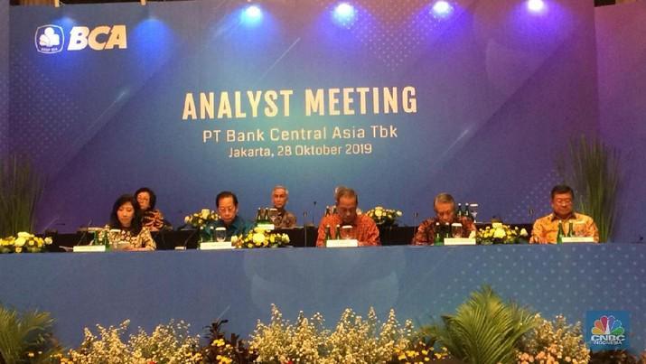 PT Bank Central Asia Tbk (BBCA) akhirnya merampungkan akuisisi PT Bank Royal Indonesia.