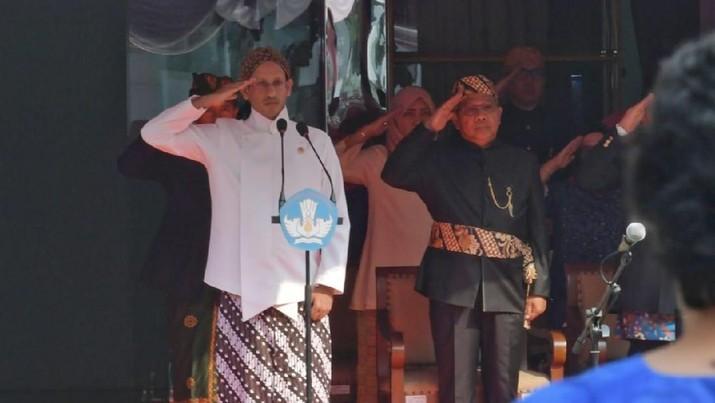 Mendikbud Nadiem Makarim berencana memasukkan kompetensi baru yakni Computational Thinking serta Compassion ke dalam pembelajaran anak Indonesia.