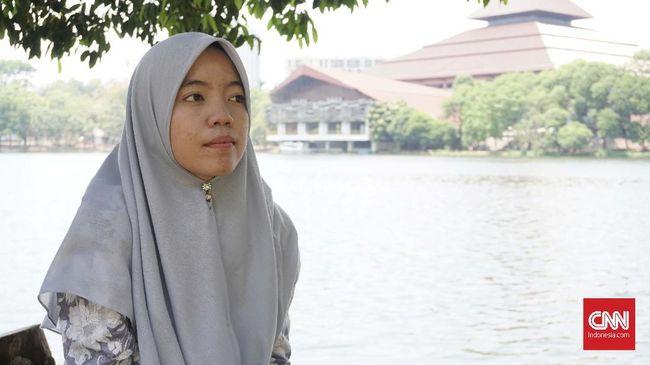 Kisah Dinda, Beasiswa, dan Tembus Universitas Indonesia
