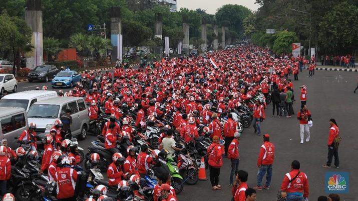 Atribut Bonceng berwarna merah dan putih. Bonceng juga menggunakan tagline 'Ini Dia yang Merah Putih'.