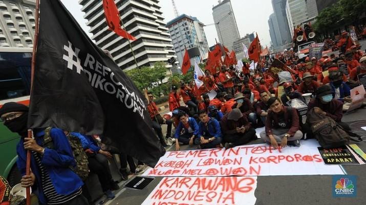 Penampakan Buruh & Mahasiswa yang Berdemo Tolak UU KPK