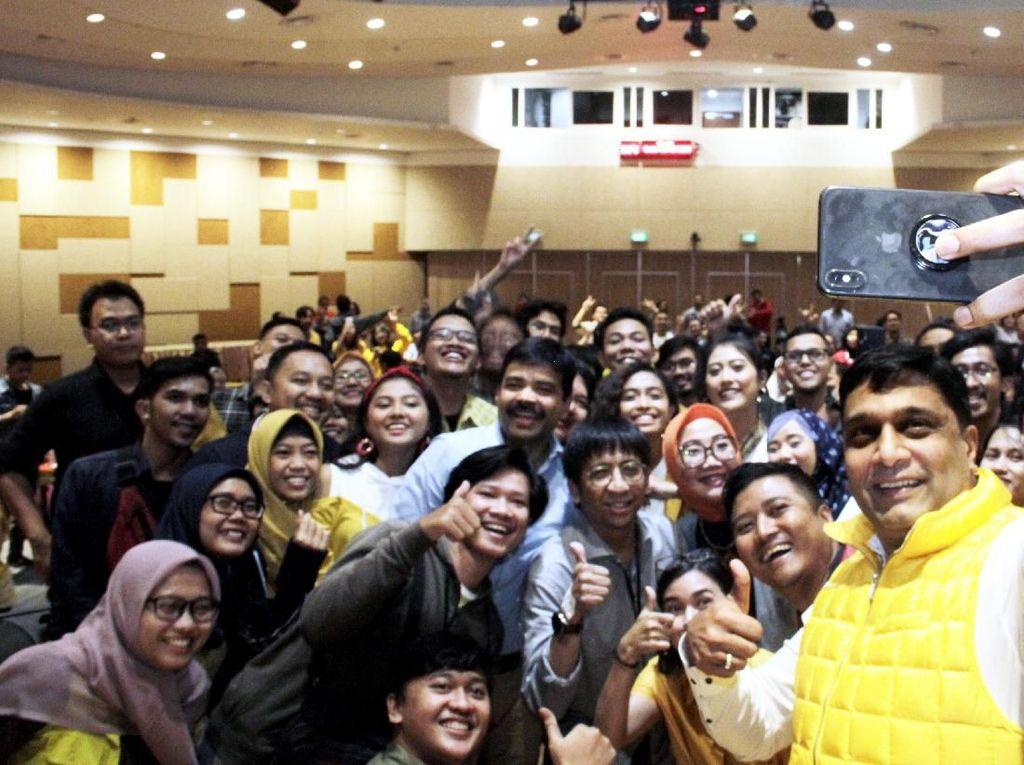 Selama 52 tahun, Indosat Ooredoo telah mendukung para anak-anak muda Indonesia untuk membangun bangsa menjadi lebih baik.