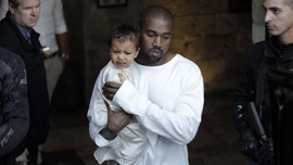 Kanye West dan Kim Ribut soal 'Make Up' North West