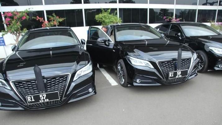 Pemerintah memilih Toyota Crown 2.5 HV G-Executive sebagai mobil baru untuk para pejabat.