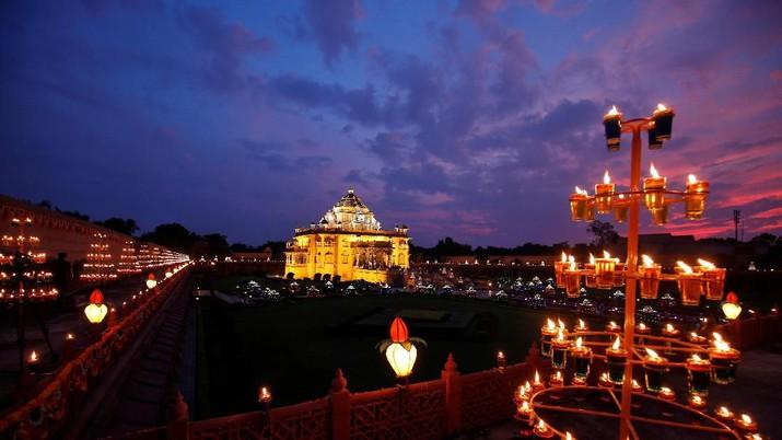 Melihat Indahnya Festival Lampu Diwali di India