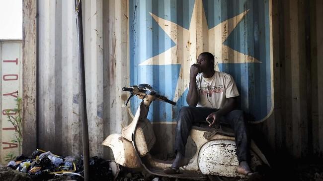 Buat warga Mali, Vespa merupakan simbol era 1960-an dan 1970-an saat negara di Afrika ini dalam kondisi damai dan kota-kota banyak didatangi pengunjung.(MICHELE CATTANI / AFP)