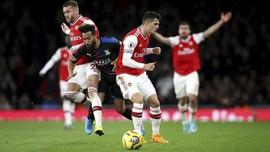 Mantan Kapten Arsenal Sindir Suporter Lewat Instagram