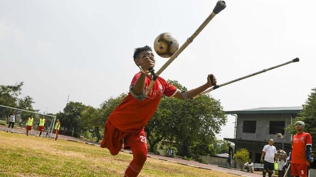Meski tanpa bantuan dari pemerintah Tim Garuda INAF telah memiliki berbagai prestasi. Saat ini Garuda INAF sudah menjadi bagian dari World Amputee Football Organisation atau WAFO. Pada Juni 2018, tim amputasi sepak bola Indonesia berhasil meraih kemenangan pada pertandingan persahabatan dengan tim Malaysia. (ANTARA FOTO/Galih Pradipta)