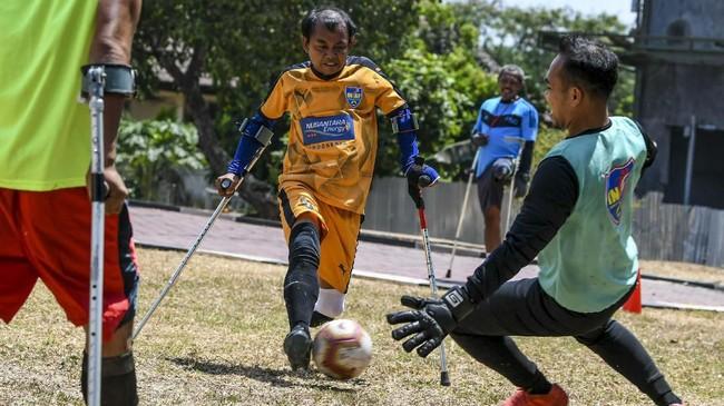 Tim Garuda INAF ingin membuktikan bahwa meski memiliki keterbatasan fisik tapi mereka memiliki semangat juang untuk mengharumkan nama Indonesia di kancah international. (ANTARA FOTO/Galih Pradipta)