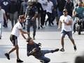 FOTO: Demonstran Libanon Adu Jotos dengan Pendukung Hizbullah