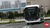 Bus Fuel Cell atau kendaraan berbahan bakar gas hidrogen ini dilengkapi Intelligent Transport Systems atau ITS untuk meningkatkan keamanan penumpang.