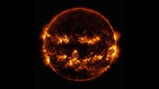 Pesawat Antariksa NASA-ESA Terbang Ambil Foto Matahari