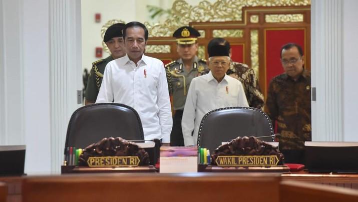 Presiden dan Wakil Presiden RI, Joko Widodo dan Ma'ruf Amin memimpin rapat terbatas (Biro Pers Sekretariat Presiden/Lukas)