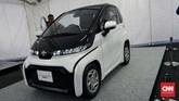 Toyota Ultra Compact BEV (Battery Electric Vehicle) dengan dimensi panjang 2.490 mm, lebar 1.290 mm, dan tinggi 1.550 mm. Klaim Toyota, kendaraan ini cuma bisa bergerak dengan kecepatan maksimal 60 km per jam.